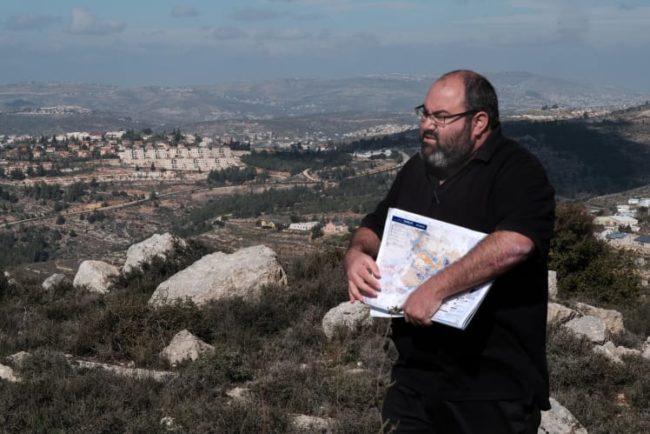 """מהסלון של עהד תמימי לקרוואנים של בית אל: מסע של """"שוברים שתיקה"""" מסכם את תולדות הכיבוש"""